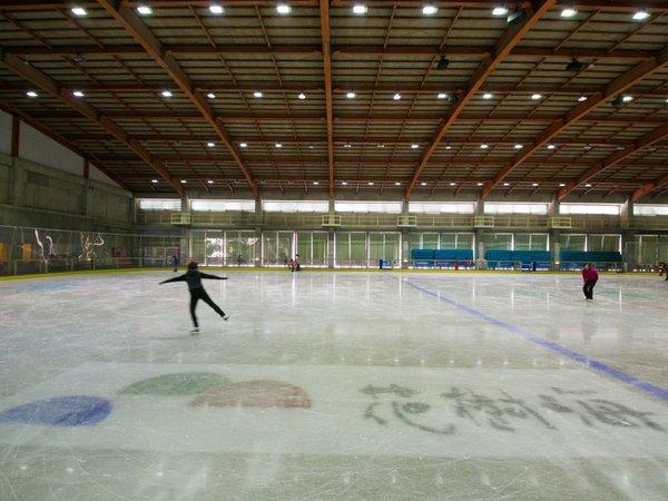 ◆アイスアリーナ◆広いリンクでのんびりスケート♪
