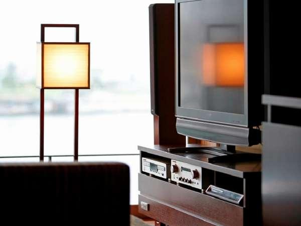 和洋室やツインに用意されたMarantz製のオーディオ。お気に入りの曲を流して心地よい空間を。