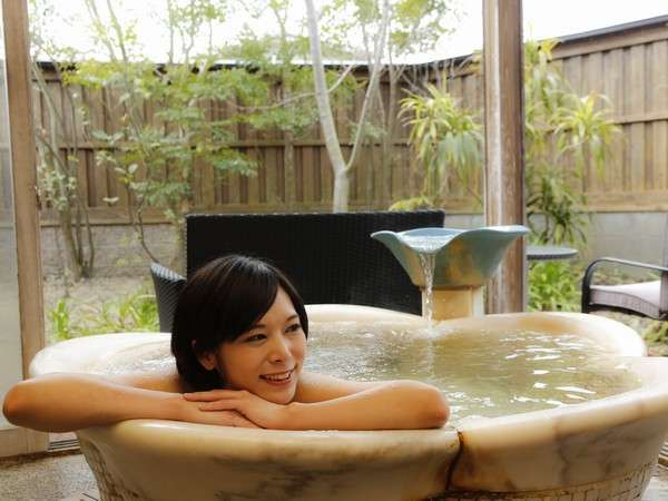 貸切露天風呂「花」