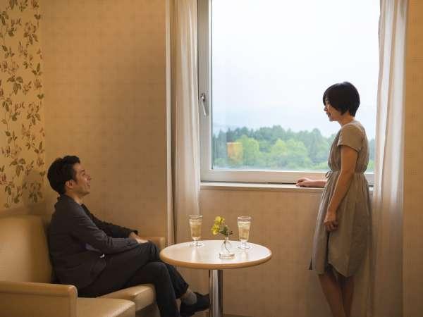 【雄大な眺めを愉しむ高原リゾート】お二人の旅に最適なツインルームを中心にご用意しています