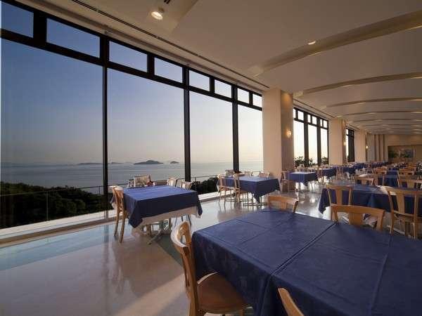 【オーシャンビューレストラン】瀬戸内海の多島美もお料理に添えて・・・