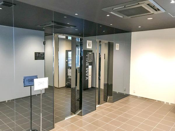 【エレベーターホール】エレベーターは2基あるので、お部屋へのご移動も快適。