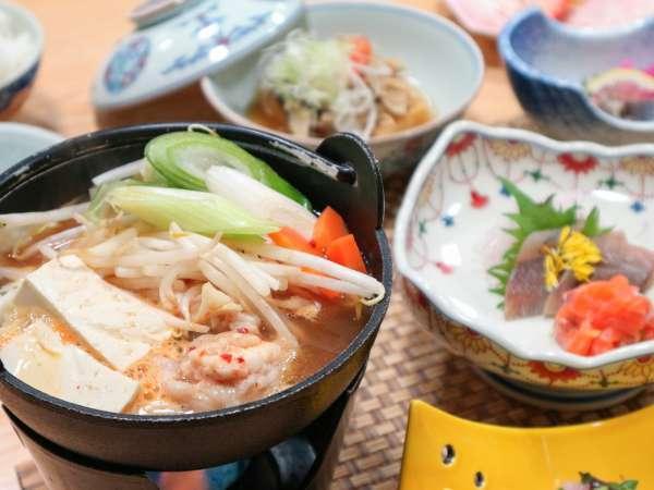*夕食/地元の食材を使用した手作りのお料理をご用意いたします。