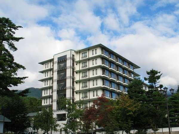 【立山プリンスホテル】お肌に優しい温泉を露天風呂と内湯でたっぷり!