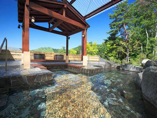 2015年温泉露天風呂をリニューアル。水着を着て男女混浴が楽しめる