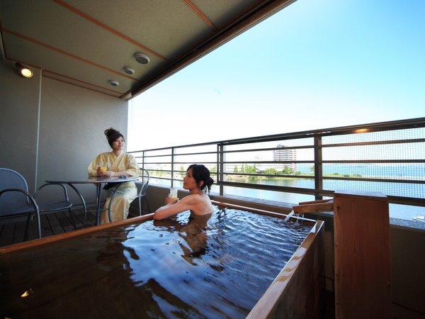 【おごと温泉 びわこ緑水亭~湖畔に佇む露天風呂付客室の宿~】リゾートのくつろぎと温泉の癒しが一体になった至福の場所