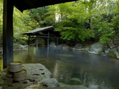 【四季の湯】女性専用露天風呂