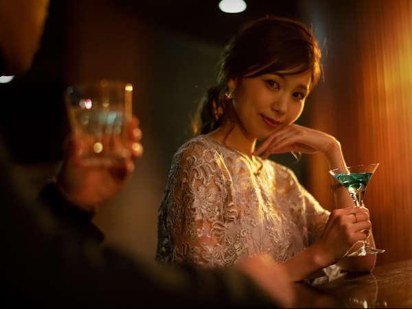 【メンバーズバー-涵養倶楽部】いつもと違う雰囲気で楽しむお酒は、彼女の意外な一面を引き出すかも?!