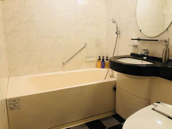 【バスルーム】白と黒を基調としたバスルーム