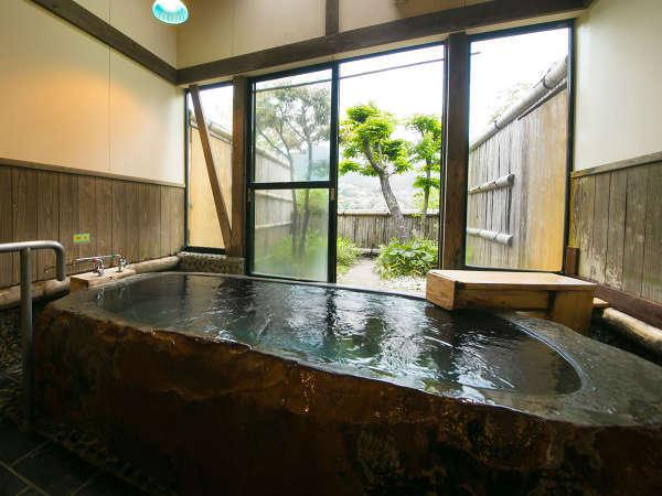 ◆貸切家族風呂・岩風呂「せり」◆