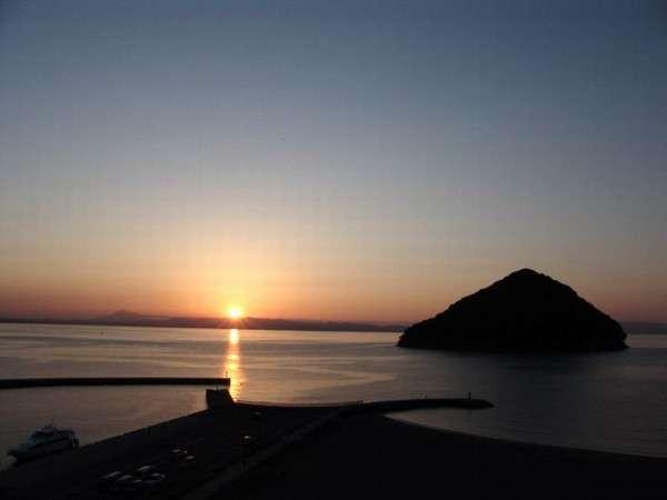 サンセットビーチの夕陽