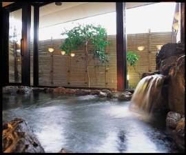 岩風呂でゆくりおくつろぎください。