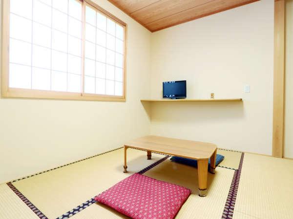 明るく清潔感のある禁煙和室(6畳)でのんびりとお過ごし下さい♪*