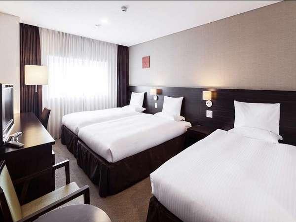 ◆トリプルルーム(22平米・一例)/3台全てシモンズベッドでぐっすり快眠☆
