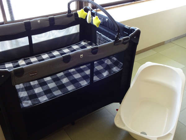 赤ちゃん用ベビーベッド、ベビーバスを大浴場脱衣場に男女ともにご用意しております