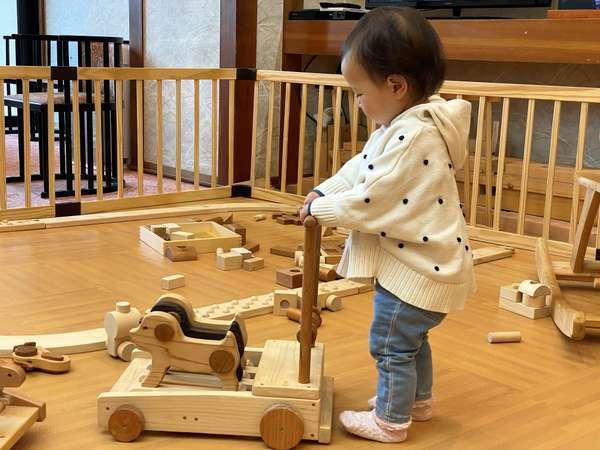 【キッズスペース】モクモクひろば!発見&学びがいっぱいの玩具で子供の探求心を刺激♪