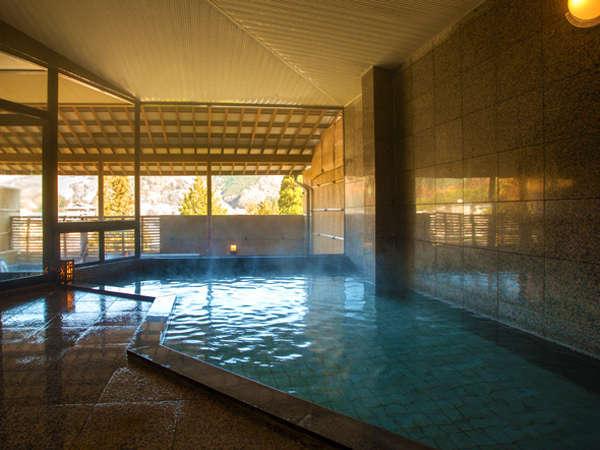 """■-貸切内湯-■大浴場と見紛うほどの余裕ある広さを""""一人占め""""♪貸切露天と合わせてお楽しみください"""