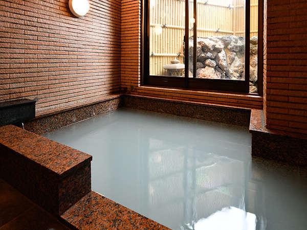 女湯(内風呂)肌を白くするので若返りの湯、美人の湯とも言われております。