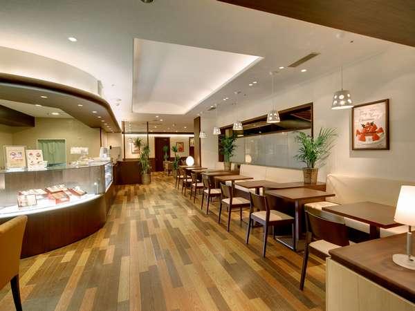 イタリアントマトカフェは感染症対策の為15時閉店です。酒類や飲食物の持ち込みは出来ません。