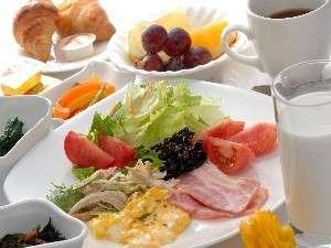 朝5:30~モリッと朝食!(バイキング形式です)           洋食5:30~ 和食6:30~