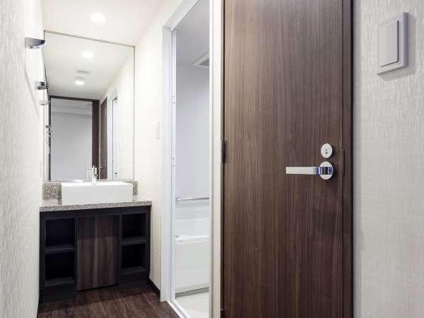 スーペリアツインルームは洗面台・お風呂・トイレが独立型でご用意しております。