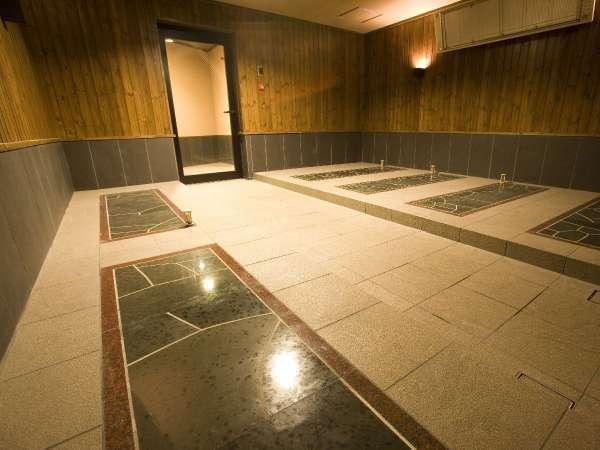 岩盤浴/男女それぞれに、無料でご利用いただける岩盤浴がございます!