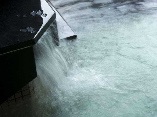 大浴場/自家源泉から引く温泉は「美肌湯」とも呼ばれるアルカリ性単純泉。