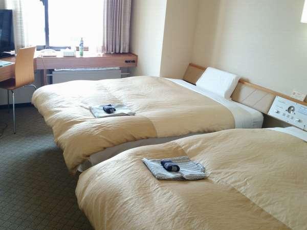 ゆったり広々☆140cm幅ベッドが2台のキングツインルーム♪更にバス・トイレ別のセパレートタイプ!!