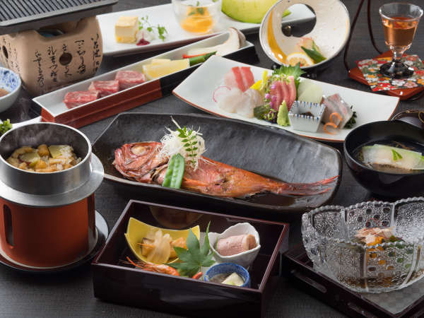 *ご夕食 ホテル棟 和食会席(料理一例)