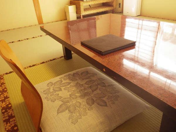 2012年8月にリニューアルオープンした清潔で快適なお部屋です