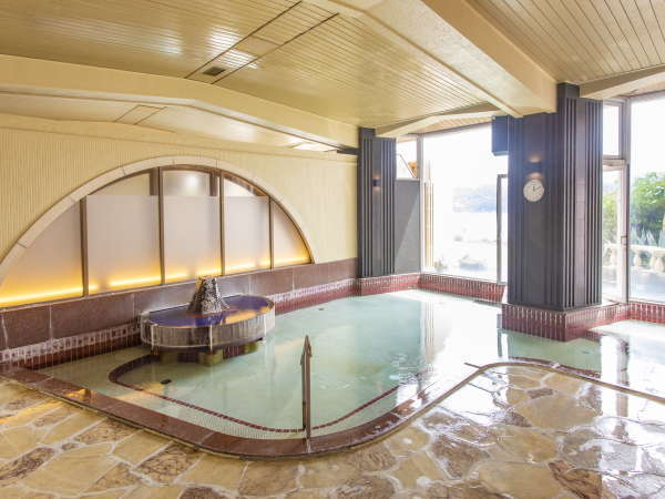 ■大浴場:露天風呂■湯上り時にも上がり湯をかけず温泉成分を身体に染み渡らせて