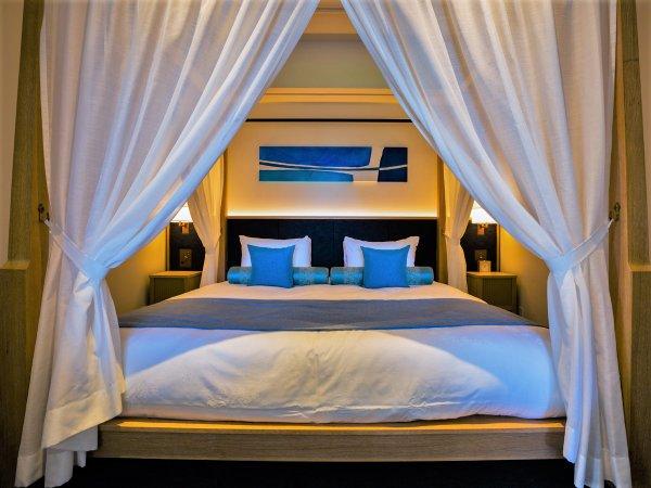 【ヒルサイド/プールヴィラスイートメゾネット】ベッドルームが上下階に分かれたメゾネットタイプ。