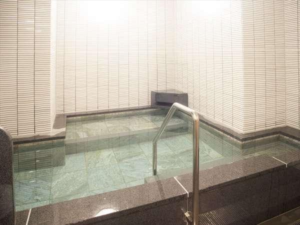 【浴場】女湯(ご利用可能時間・17:30~24:00/5:00~9:00)