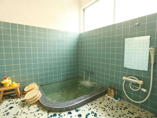*【貸切風呂(タイル)】お客様ご自身でお湯をはってご入浴いただきます。