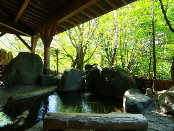 *男湯◆自然が広がる露天風呂をご堪能ください。