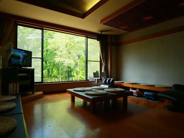 *湯上がりサロン◆奥飛騨・アルプスの情景などをわかりやすく放映しております。