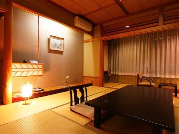*和室12畳◆静かな夜に快適にお寛ぎください