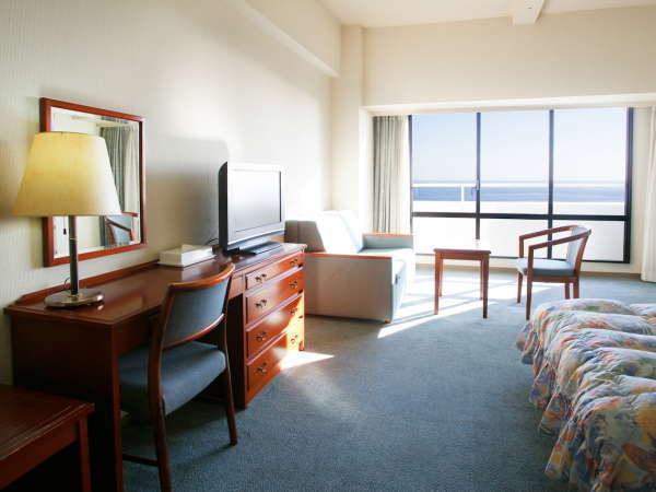 【洋室36平米】最大4名様までご宿泊いただける広々客室。