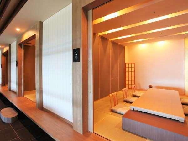 【日本料理レストラン土佐の國】個室は6名様までご利用できます(要予約別途料金)※写真はイメージです。