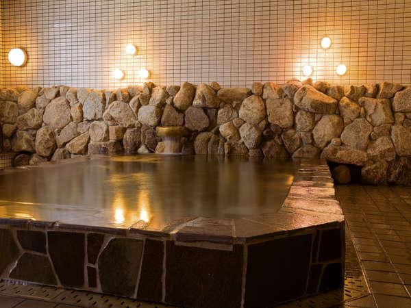 湯元源泉の天然温泉でごゆっくりとお寛ぎ下さい