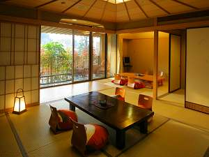 クチコミでも人気の和モダンな露天風呂付客室一例(12.5+6畳)全室明るいお部屋で清潔感たっぷりです♪
