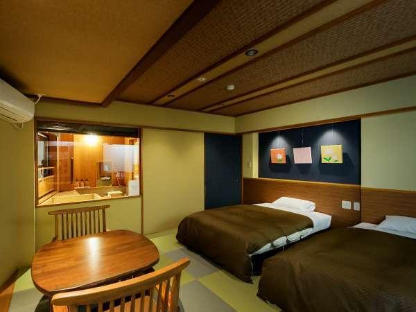 【上州の山々を望む展望ひのき風呂付ツイン バス・トイレ付】和モダンな雰囲気で人気の高い客室です。