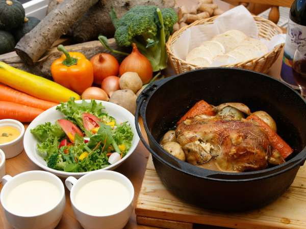 *夕食一例/富良野や北海道産の元気な食材をたっぷり♪素材の良さを活かしたダッチオーブン料理。