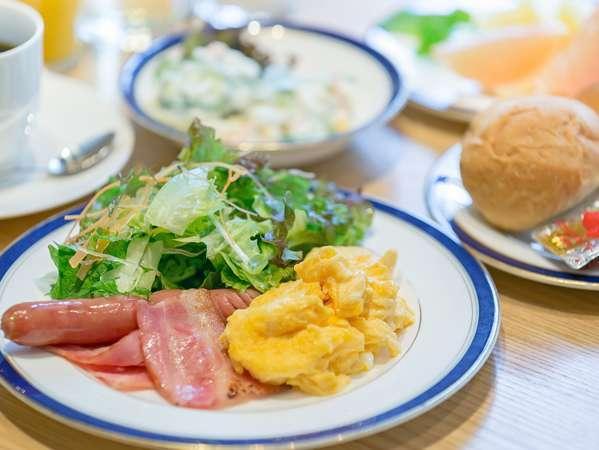 朝食ブッフェ 洋食盛り付け例