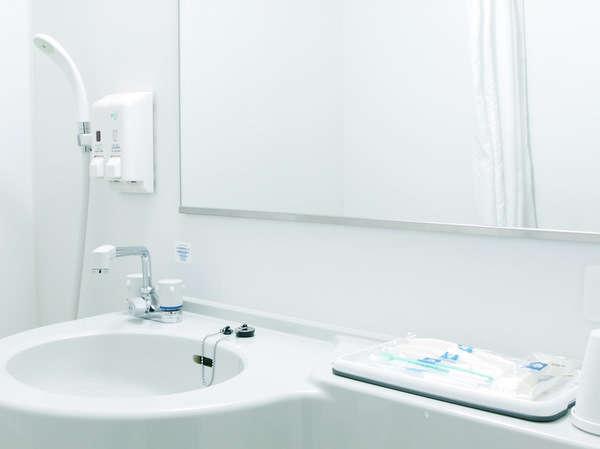 ユニットバスルーム■大きな鏡を設置しております