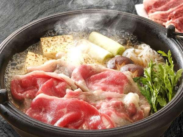 【特製すき焼き鍋】お肉と地元醤油の旨味が詰まった特製すき焼き鍋をご堪能下さい♪※写真は2人前です