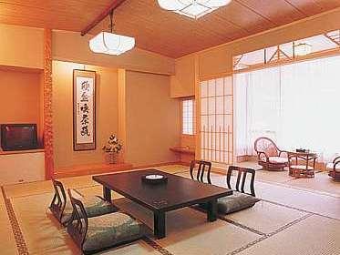開放感と優越感に浸るスタンダード純和風客室12.5畳間