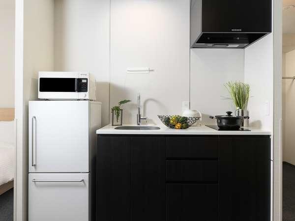 調理器具のそろったキッチン