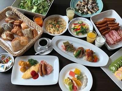 自慢の和洋食の朝食バイキング♪