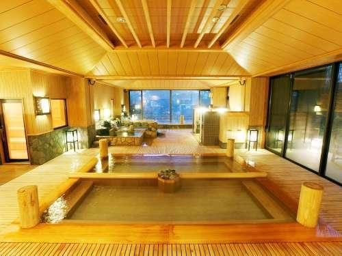 【季の湯】手前の内風呂は湯畑をイメージしております。